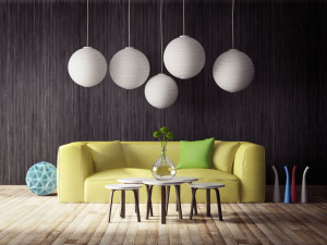 Renovation de maison ou condo neuf decoration mur noir et divan