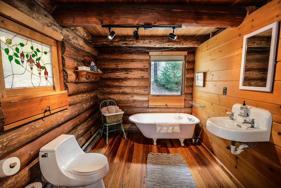 Étonnant Un plancher de bois dans une salle de bain IJ-95
